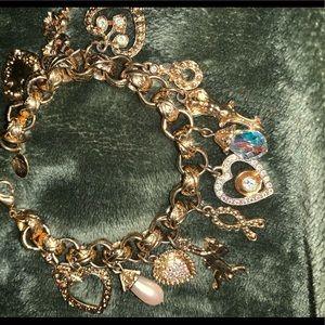 Kirks Folly charm bracelet excellent condition